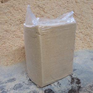 Стружка древесная прессованная брикет 25 кг 600х400х470, сухая 6-8 %